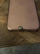 iPhone X загорівся від оригінальної зарядки